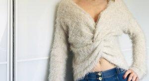 Rückenfreier Pullover / oder / Tiefer Ausschnitt