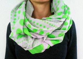 Écharpe ronde gris clair-vert fluo