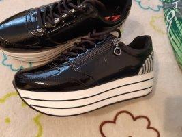 S.Oliver Sneaker 38 Lack Leder Schwarz