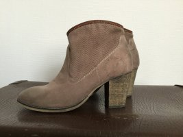 s.Oliver Stiefeletten in taupe