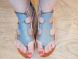 Massin Sandały japonki z rzemykami srebrny