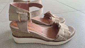 Tamaris Plateauzool Sandalen met Hoge Hakken goud-licht beige