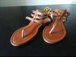 Sandalo romano marrone