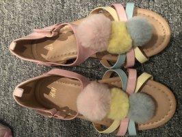 Sandalo con cinturino color oro rosa