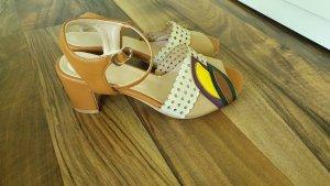 Sandalias de tacón de tiras multicolor