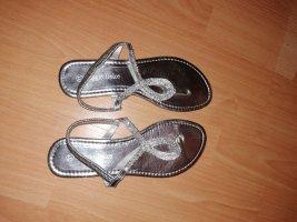 Sandale d'extérieur argenté