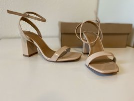 Sandalen mit Blockabsatz und breiter Passform
