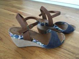 Sandalen mit Blumenabsatz