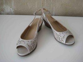 Sandalen mit leichtem Wedge-Absatz - casual Look