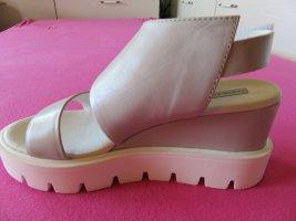 Sandalen mit Plateauabsatz , neu / Größe 37 / NP 189 EUR !!