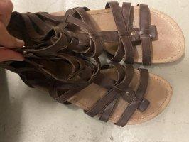 UGG Sandalias romanas marrón-marrón oscuro