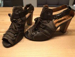 Sandaletten von Harlot aus Leder, Textil & Holz