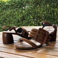 Sandaletten von Uterqüe Cognac Leder Skulpturell 38