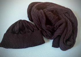 Schal und Mütze Set von Redgreen. Wolle.