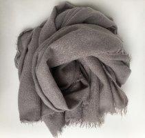Zara Accesoires Bufanda de flecos color plata-gris