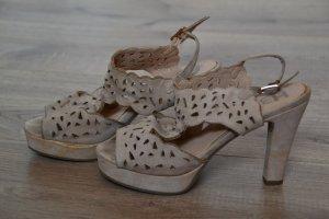 Schicke Absatz-Sandaletten