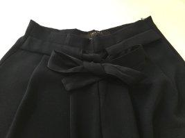 Schicke dunkelblaue Hose mit Taillengürtel
