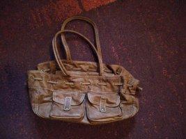 schicke Handtasche mit Extras