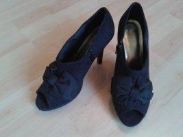 Schicke High Heels Schwarz mit Schleife im Vintage Look