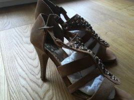 schicke Sandale mit Absatz für einen perfekten Sommer