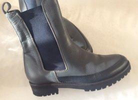 Schicke Stiefeletten von Pino Convertini Größe 36-36,5 für schmale Füße