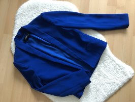 Schicker blauer Blazer von Mango