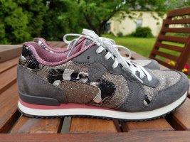 Schicker Sneaker von Tamaris
