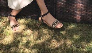 Zara Sandalo con tacco alto e lacci a T multicolore
