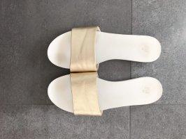 H&M Strandsandalen wit-goud