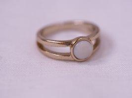 Schlichter Goldring, mit weißem Stein, Größe 52, wie neu, dainty, filigran