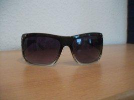 schöne große Sonnenbrille mit Straßsteinchen
