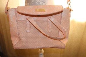 Schöne hellpinke Tasche
