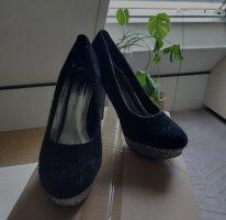 Schöne High Heels schwarz Größe 39