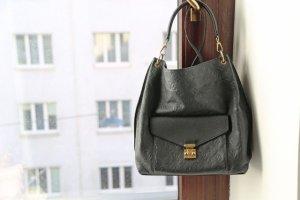 Schöne Louis Vuitton Hobo Tasche