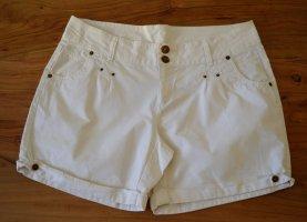 Schöne weiße Shorts