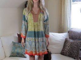 Schönes Kleid von Malvin