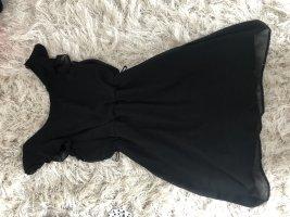 Schönes verspieltes Kleid