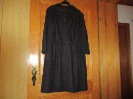 Schönes Winter Kleid,tolle Machart und Farben