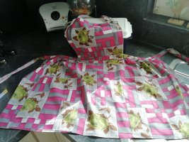 Traditional Apron pink-green