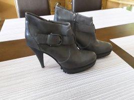 Esprit Chaussure à talons carrés gris foncé