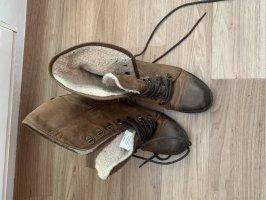 Schuhe braun Mustang