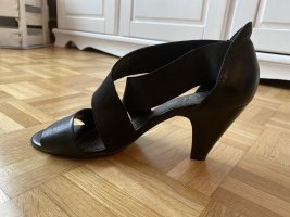 Caprice Sandalo con cinturino e tacco alto nero