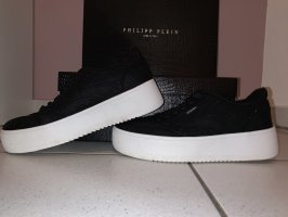 Lace-Up Sneaker black-white
