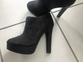 Peep Toe Booties black