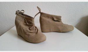 Schuhe mit Absatz Stiefeletten Halbschuhe in Beige Gr.40