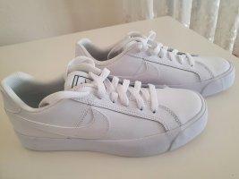 Schuhe Nike Preis VB