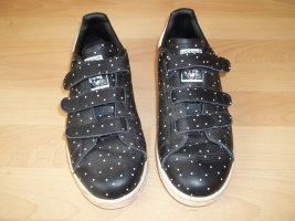 Schuhe von Adidas in Gr. 38,5 Stan Smith schwarz gepunktet Klett