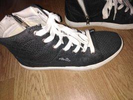 Schuhe von ellesse