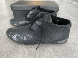 Schuhe von Maruti - Schlangen Look - Leder