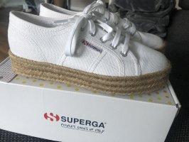 Schuhe von Superga